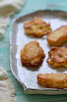 Arañitas and Arepitas de yuca (Cassava fritters).Dominican Food. Love Aranitas (plantain are better)