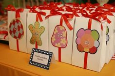 Favors at an In the Night Garden Party #nightgarden #partyfavors