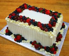 white cake with fresh fruit Strawberry Cake Decorations, Cupcake Cakes, Cupcakes, Specialty Cakes, Cake Designs, Fresh Fruit, First Birthdays, Catering, Icing