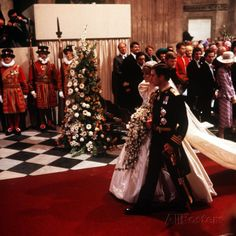 July Lady Diana Spencer marries Prince Charles at St. Paul's Cathedral in London. Their HRH Prince & Princes of Wales. Prince Charles Et Diana, Charles And Diana Wedding, Royal Brides, Royal Weddings, Country Weddings, Vintage Weddings, Lace Weddings, Lady Diana Spencer, Prince And Princess