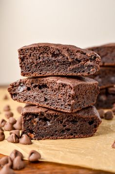 These are by far the best ever low syn chocolate brownies you will make. Real Ingredients, low syns and delicious chocolately flavour. Dairy Free, Vegetarian, Slimming World and Weight Watchers friendly Slimming World Vegetarian Recipes, Slimming World Desserts, Slimming World Recipes, Slimming World Brownies, Healthy Recipes, Low Syn Chocolate, Chocolate Brownies, Fudge Brownies, Slimming Eats