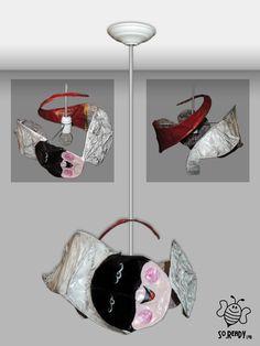 "Lampadario ""antisfiga"" in cartapesta!!! Un sorridente Pulcinella che spunta da un corno rosso!  #lampadario #cartapesta #pulcinella #cornorosso #ecodesign #soreadystyle  #recycle #upcycle #riciclocreativo - di So.Ready Lab - soreadylab.etsy.com"