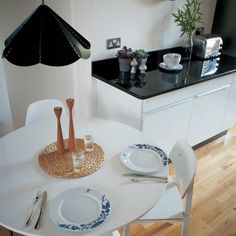 black and white elements in the kitchen(viaikea family live)