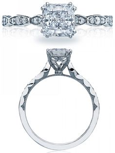 Elegant diamond engagement ring from Tacori's Sculpted Crescent collection. Via Diamonds in the Library.