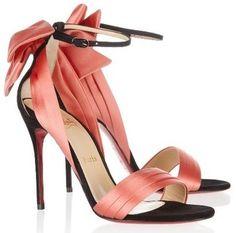 aaaaahhh je suis morte d extase devant ces chaussures... RIP