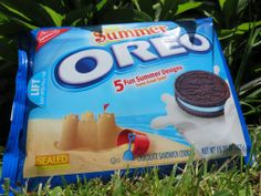 Summer oreo Weird Oreo Flavors, Cookie Flavors, Oreo Treats, Oreo Cookies, Summer Desserts, Fun Desserts, Oreos, Easy Christmas Treats, Biscuits