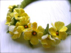Filz Kette gelbe Blumen  Handmade-fühlte Halskette  Floral