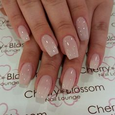 False nails have the advantage of offering a manicure worthy of the most advanced backstage and to hold longer than a simple nail polish. The problem is how to remove them without damaging your nails. Cherry Blossom Nails, Cherry Nails, Best Acrylic Nails, Acrylic Nail Designs, Perfect Nails, Gorgeous Nails, Cute Nails, Pretty Nails, Classy Nails