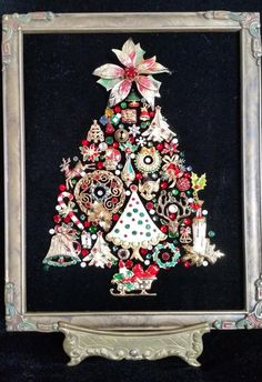Christmas-Theme Vintage Jewelry Christmas Tree on High-Quality Black Velvet in a antique frame on an gold tone metal easel. 7 x 10 Christmas Tree Pictures, Christmas Tree Art, Christmas Jewelry, Diy Christmas Ornaments, White Christmas, Outdoor Christmas, Prim Christmas, Christmas Signs, Country Christmas