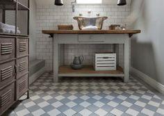 Ghiaccio & Perla Floor Tiles teamed with Blanco Gloss Wall Tiles Hall Flooring, Bathroom Flooring, Bathroom Showrooms, Bathroom Interior, Bathroom Ideas, Bathroom Design Inspiration, Interior Inspiration, Chic Bathrooms, Style Tile