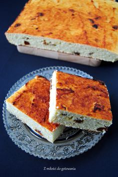 Ciasto z mąki kokosowej z wiórkami i rodzynkami. - przepisy z myTaste.pl
