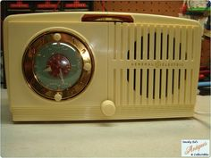 Vintage 1950 Ivory GE Musaphonic 5 Tube by smokyedscollectibles, $85.00