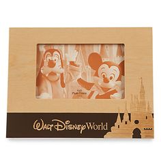 US$ 21.95  - valor médio, sem frete ou impostos (sujeito à alteração sem qualquer aviso).  Walt Disney World Wood Photo Frame - Landscape - 4'' x 6''