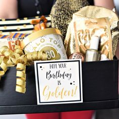 Golden Birthday Gift Idea Golden Birthday Gift Idea-This cute gift basket is a perfect birthday gift for anyone and a super fun idea for a golden birthday. Just fill a basket or box with all things gold and add this cute tag. Golden Birthday Gifts, 25th Birthday Gifts, Creative Birthday Gifts, Birthday Box, Sister Birthday, Birthday Ideas, Birthday Games, Birthday Stuff, Birthday Parties