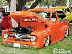 1955 ford almost perfect. That thing screams Kelly D. Custom Chevy Trucks, Vintage Pickup Trucks, Classic Ford Trucks, Classic Cars, Hot Rod Trucks, Cool Trucks, Classic Trucks Magazine, Hot Rod Pickup, Ford F Series