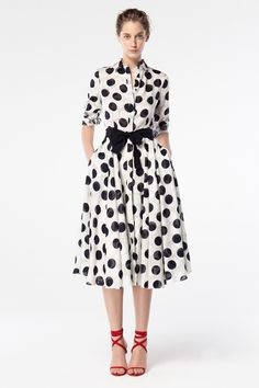 Discover the Collection Shirt Dress Pattern, Dots Fashion, Nice Dresses, Summer Dresses, Polka Dot Blouse, Polka Dots, African Fashion Dresses, Dress Suits, Look Chic