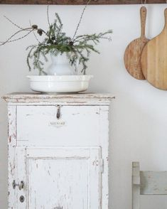 shabby chic kitchen designs – Shabby Chic Home Interiors Furniture Plans, Kids Furniture, Painted Furniture, System Furniture, Furniture Chairs, Garden Furniture, Bedroom Furniture, Outdoor Furniture, Farmhouse Style Decorating