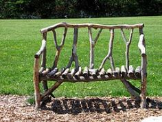 7 Cool Outdoor Benches You Can Make Yourself - A tree branches bench Maybe… Twig Furniture, Sticks Furniture, Driftwood Furniture, Driftwood Crafts, Garden Furniture, Furniture Nyc, Furniture Ideas, Outdoor Garden Bench, Outdoor Gardens