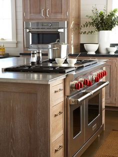 Add function with style to your kitchen with professional- and restaurant-inspired appliances and design ideas.