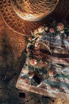 LENA HOSCHEK TRADITION - Frühling/Sommer 2019 ©Rares Peicu - Bänderrock Sommerfrische #ribbonskirt #bänderrock #naturalstyle #spring #summer #lenahoschek #tradition #tracht #lenahoschektradition #österreich #austria