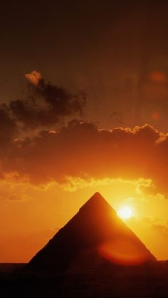 Amazing #sunset in #Pyramids for your #iPhone #Wallpaper  Find out more galleries at http://iphone5retinawallpaper.com/