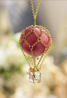 Hot air balloon necklace, I want this!