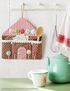 Patchwork, patchwork, quilting ♥ Cozy house ♥ – About Home Decor Felt Crafts, Fabric Crafts, Sewing Crafts, Diy And Crafts, Sewing Projects, Sewing Ideas, Halloween Banner, Halloween Diy, Christmas Sewing