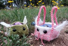 Remember the Efl Baskets? It only takes a few more steps to turn that pattern into an Easter bunny basket … and more …You can never have enough baskets (particularly those that hold treats). To make your next basket, try the Elongon™ 2″ R-regular loom (because that will give you extra tippy ears). You will need about 20 yards of yarn. I used a variety of Caron Simply Soft, Caron Cakes, and Caron Latte Cakes yarns. Leftovers are awesome for this project! Chain Stitch, Slip Stitch, Happy Easter, Easter Bunny, Caron Cakes, Caron Simply Soft, Favorite Candy, The Elf, Yarns