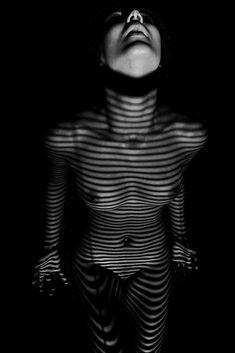 ᴛʜᴇ ᴢᴇʙʀᴀ ɴᴜᴅᴇ ᴇxᴘᴇʀɪᴇɴᴄᴇ • codex 29 • ᴘʜᴏᴛᴏ sᴇʀɪᴇs ʙʏ photographer @ɴɪᴋᴏsᴏɴᴏ    To order prints and calendar : email mio@nikosono.net and contact us over Messenger. .  Instagram: @zebranude  #artofvisuals #zebra #shadowsstudy #lowkey #shadowshapes  #ombres #shadowsandlight #bodylanguage #sculpture #fineartnudeisworththefight #freeyourmind #absolution  #contemporaryart #bodyscapes  #lowkeyphotographer #body #photomagazine #nikosono #zebranudes