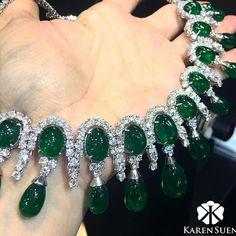 RP @karensuenfinejewellery . • • • #diamond#الماس#elmas#jewelry#fashion#love#beautiful#style#diamonds#highjewelry#finejewelry#luxury#instamood#instacool#instagram#beautiful#collection#art#instalove#special#detail#amazing#fabulous#shiny#highfashion#love#instapic#necklace#emerald