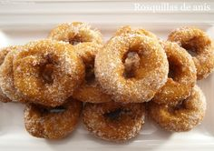 Rosquillas de anís - MisThermorecetas.com Onion Rings, Doughnuts, Sweets, Cookies, Ethnic Recipes, Desserts, Food, Christmas Sweets, Gourmet