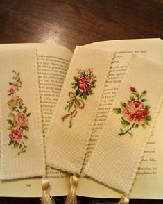 "Kitap ayraclari made by zeynep goker [ × 911 pixels"" ] # # # # # # # Cross Stitch Bookmarks, Cross Stitch Rose, Cross Stitch Flowers, Counted Cross Stitch Patterns, Rose Embroidery, Modern Embroidery, Cross Stitch Embroidery, Embroidery Patterns, Cross Stitch Pictures"