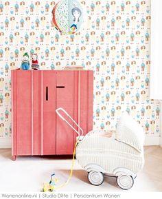 Speelgoed uit vervlogen tijden was de inspiratiebron voor de collectie kinderbehang die Studio Ditte ontwierp voor BN Wallcoverings.