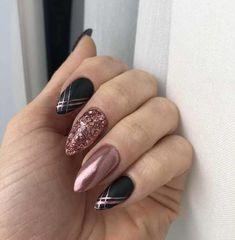 False nails have the advantage of offering a manicure worthy of the most advanced backstage and to hold longer than a simple nail polish. The problem is how to remove them without damaging your nails. Nails 2018, Prom Nails, Fun Nails, Wedding Nails, Chic Nails, Winter Nail Designs, Cool Nail Designs, Acrylic Nail Designs, Nailed It