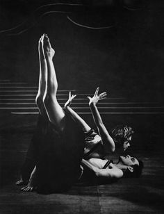 June Brae and Robert Helpmann in Dante Sonata at the Sadler's Wells Theatre, London, 1939.  Baron/Hulton Archive / Getty Images