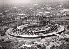 La construcción del Palacio de los Deportes, obra de Félix Candela, Antonio Peyri y Enrique Castañeda Tamborell. Foto: La ciudad de México en el Tiempo.