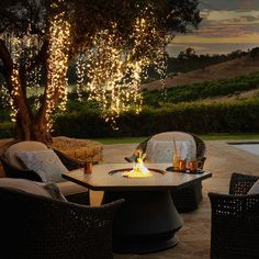 Recreate the dazzling light displays previously only seen in theme parks. Our innovative Meteor Lights boast LEDs that produce six unique lighting effects. Use the built-in push-button control to choose: a steady/constant glow, shimmer, random Backyard Lighting, Outdoor Lighting, Unique Lighting, Outside Lighting Ideas, Outdoor Rooms, Outdoor Gardens, Outdoor Decor, Backyard Patio, Backyard Landscaping