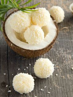 Lemon & Coconut Bliss Balls - a yummy Vegan and Tropical snack! Healthy Desserts, Raw Food Recipes, Sweet Recipes, Delicious Desserts, Dessert Recipes, Yummy Food, Healthy Recipes, Lemon Recipes, Coconut Recipes