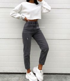 outfits for winter jeans 2020 Women Jeans Super Skinny Jeans Outfit Jeans Palazzo Teen Fashion Outfits, Mode Outfits, Retro Outfits, Fall Outfits, Summer Outfits, Woman Outfits, 90s Fashion, Fashion Quiz, Fashion Hacks
