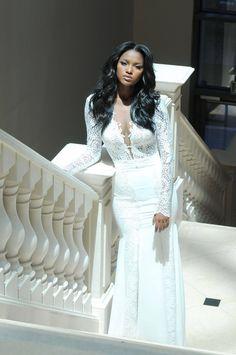 Penteados para noivas afro.                              …