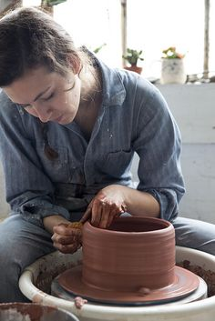 Oh I can almost feeL that cold, wet clay oozing in between my fingers. Reminder to set-up the pottery wheel soon.