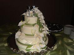 green wedding calla lily cake