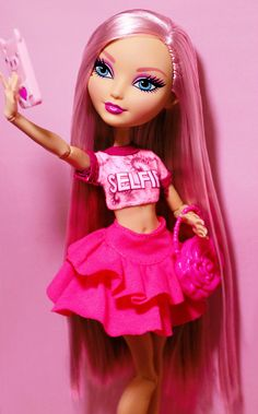Maxine's My New BFF3: Pink Fantasy by Ivan / RoyallyHolly