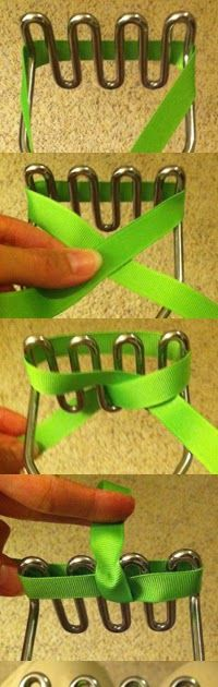 Kelly's krafts: I found this on Pinterest.....It's a demo on making bow- Thank you Janay.com!