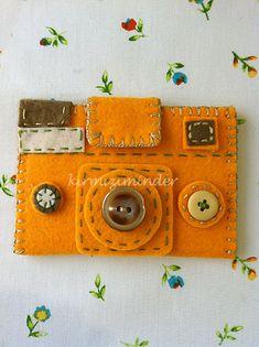 ENCANTANDO LINHAS: Capinha Case em feltro para câmera digital