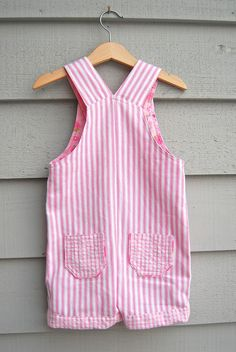 ikat bag: Overalls - Adaptation for Girls free pattern Kids Patterns, Sewing Patterns Free, Free Sewing, Clothing Patterns, Free Pattern, Toddler Dress Patterns, Girl Dress Patterns, Pattern Sewing, Sewing Kids Clothes