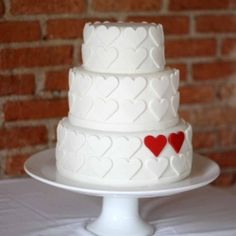 super cute, fun heart cake, would work in almost any colour Cupcakes, Cupcake Cakes, Cake Cookies, Pretty Cakes, Beautiful Cakes, Heart Wedding Cakes, Cake Wedding, Heart Cakes, Valentines Day Cakes