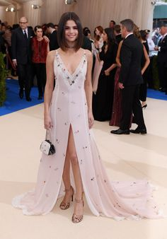 Selena Gomez – MET Gala at The Metropolitan Museum of Art in New York 05/01/2017