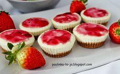 Mini serniczki kokosowe Diabetic Recipes, Cooking Recipes, Berry Tart, Polish Recipes, Polish Food, Wonderful Recipe, Piece Of Cakes, Mini Desserts, Pavlova