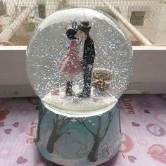 Musical Snow Globes | ... Wedding Music Box Kissing Couple Musical Snow Globes - Egifts2u.com